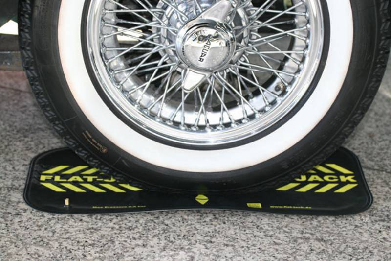 flat-jack Reifenluftkissen - auffahren, aufpumpen, fertig